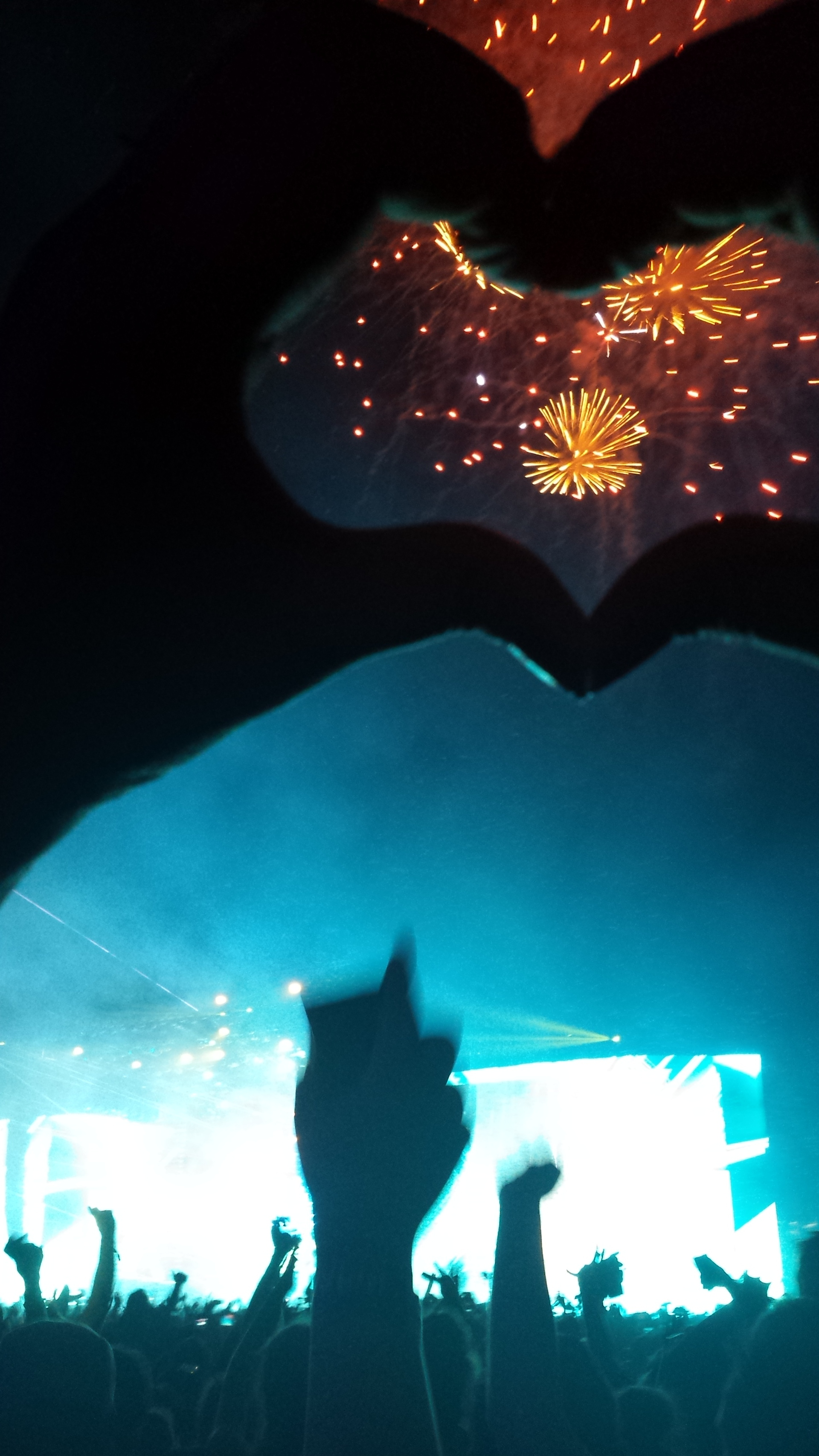 heart sign for rave and fireworks