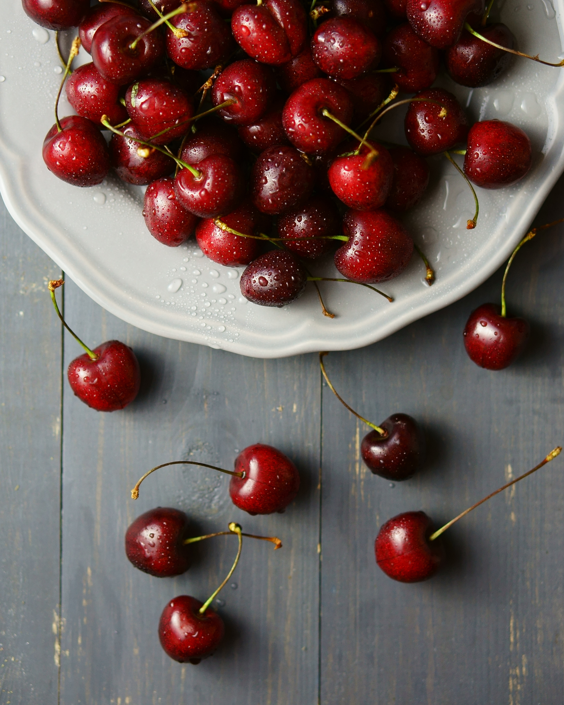 Cherries in the plate | berry, cherry, food, fruit