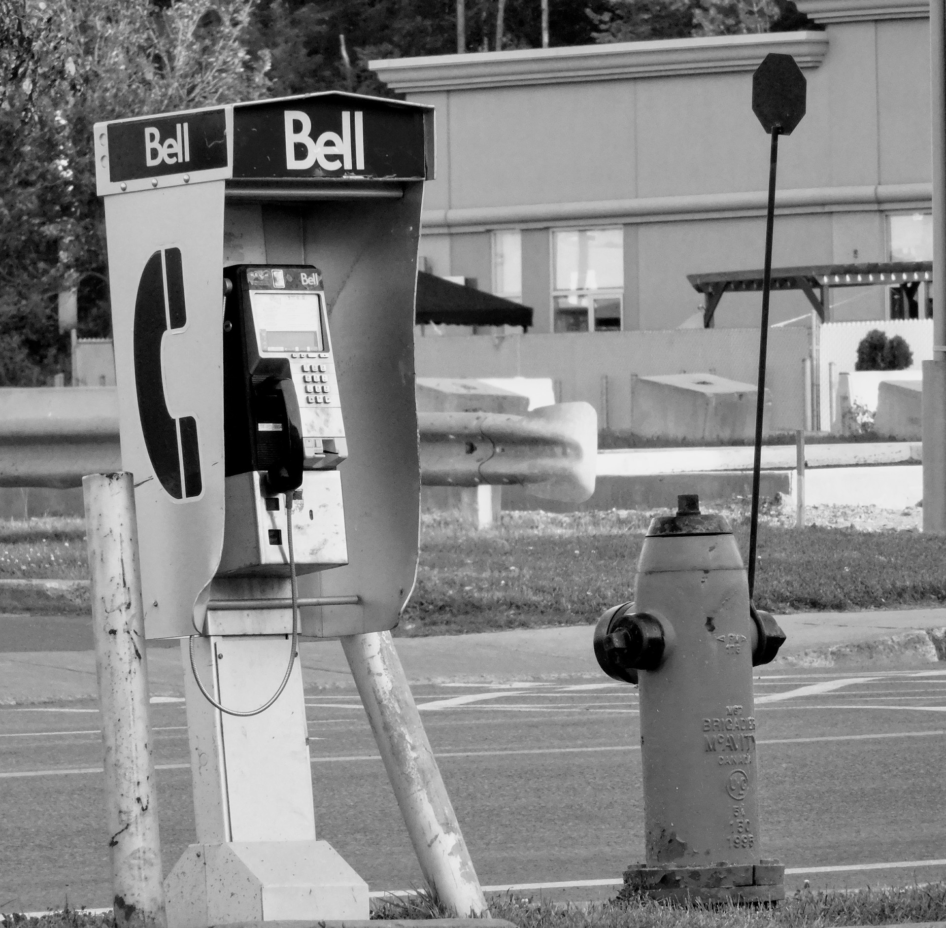 Bell phone booth | rick.cognyl.fournier, no person, outdoors, retro