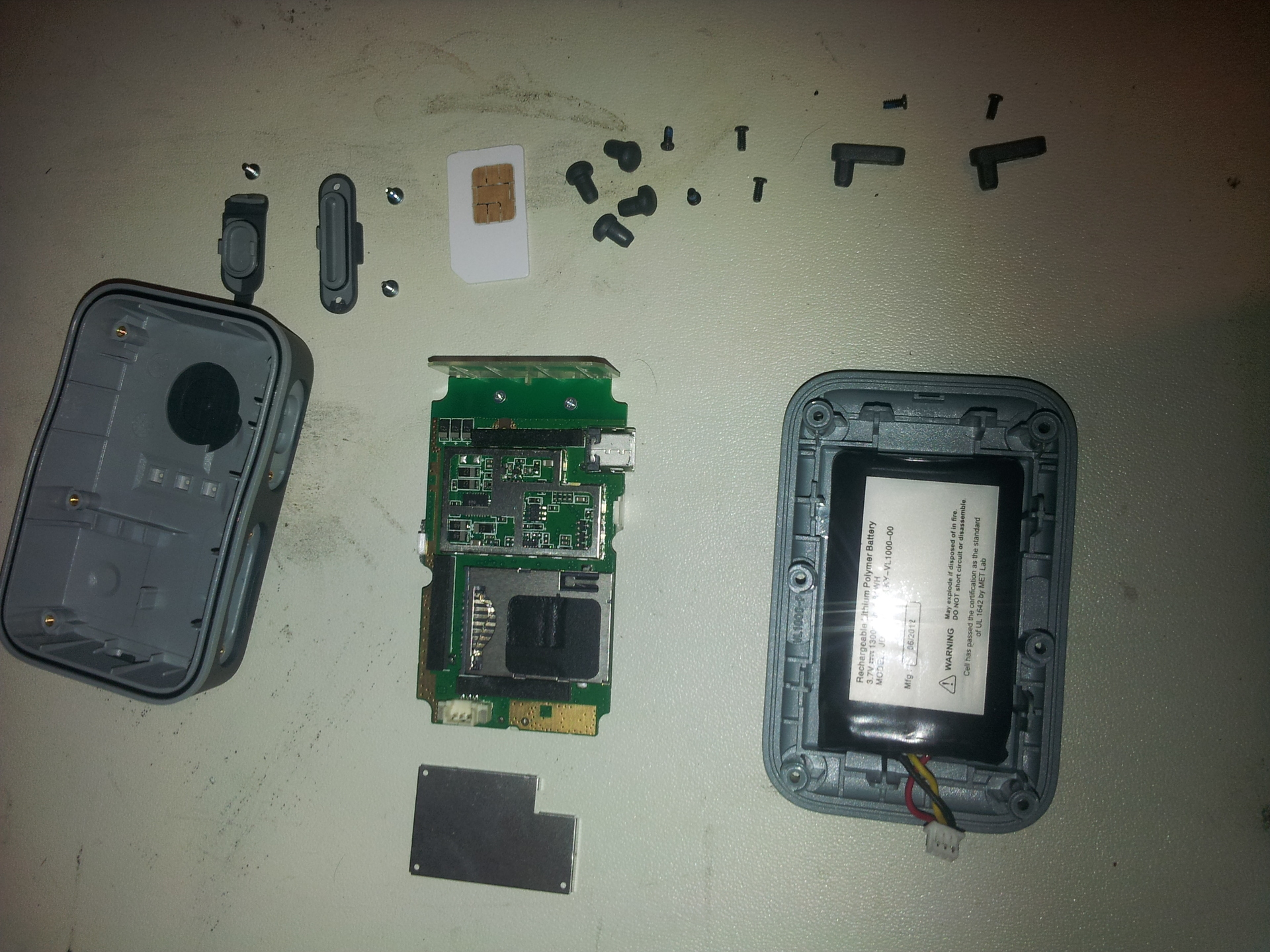 torn apart ezoom zoombak gps. ezoom got purchased by brickhouse security, I no longer have service and toold the device apart.